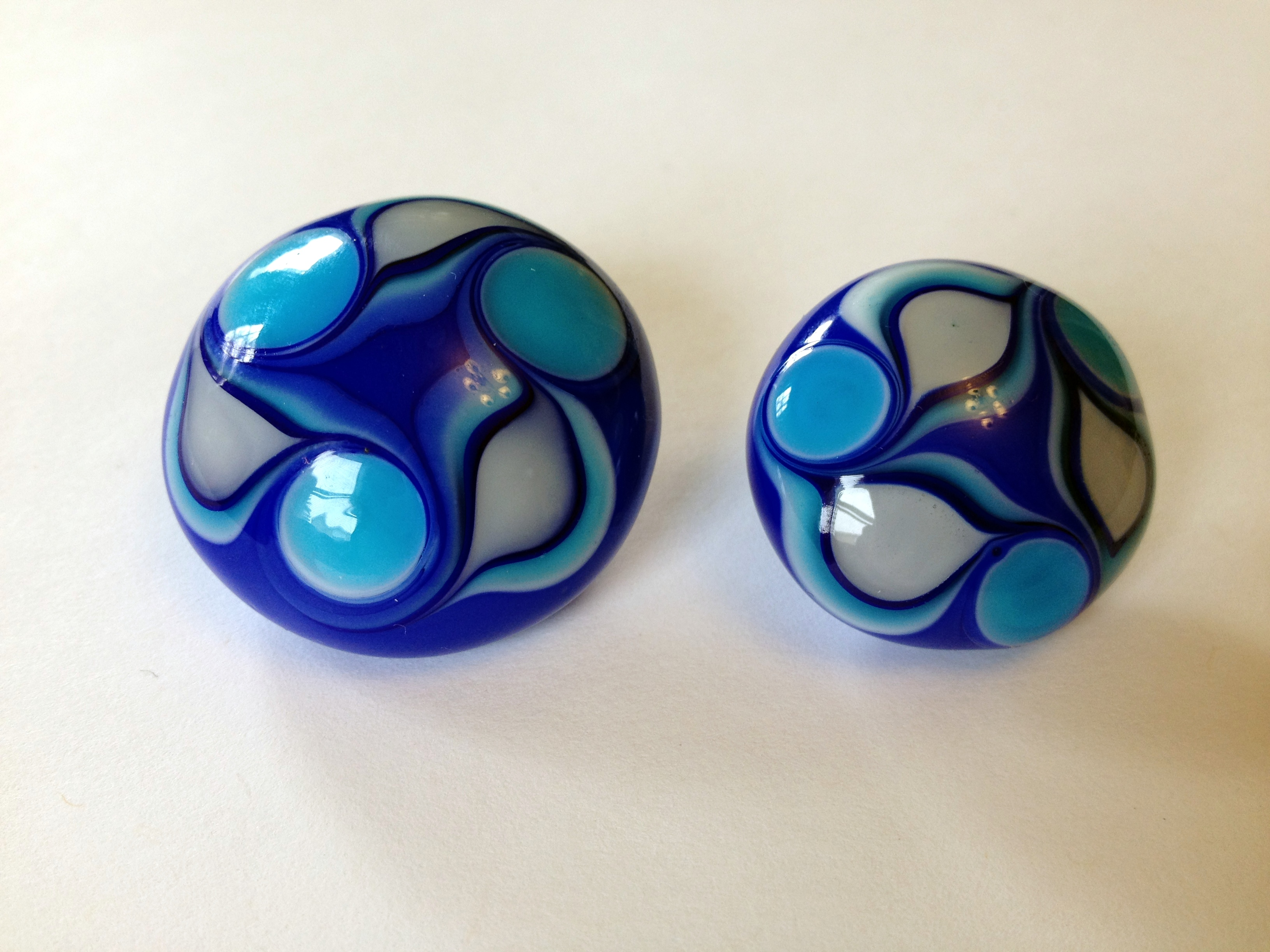 blue swirl buttons